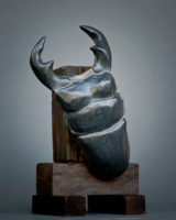 「アンタエウスオオクワガタ」 黒御影石 古材 31×29×h47.5cm