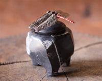 「マユタアカネの石製香炉」 10×9×h11.5cm 銀、ブロンズに色漆、黒大理石
