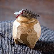「マユタテアカネの石製香炉」 10.5×10.5×H13cm 銀 ブロンズに色漆 黄色大理石