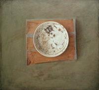 「干からびた皿」 Oil on canvas  484×545(㎜)