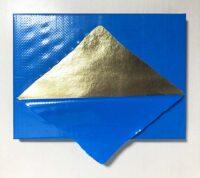 「Blue&Gold(Mountain)」 29.0×33.3cm  木パネルに麻紙、金属箔、ブルーシート